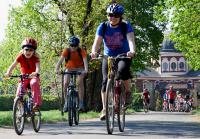 cyklovýlet do Zelčína projíždí veltruským parkem